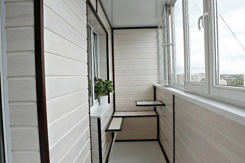 Отделка балкона пластиковими панелями